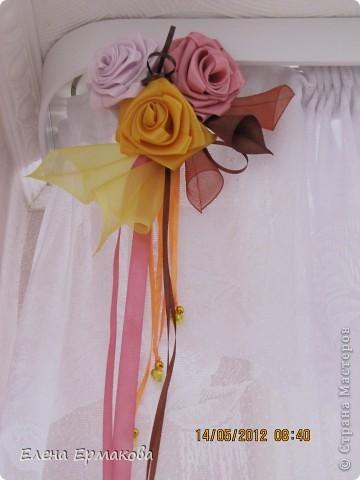 Боковые крайние украшения из самых крупных цветков. фото 1