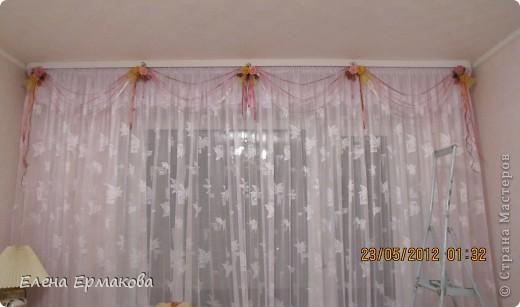Боковые крайние украшения из самых крупных цветков. фото 4