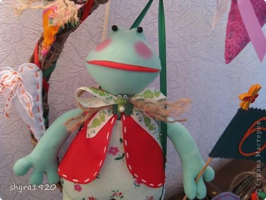 Лягушка по Тильде , только выкройка изменена, удлинила ножки, изменила голову и добавила язык. фото 2