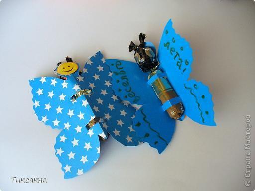 Каждая бабочка содержит две конфетки:круглая-голова, длинная-туловище. фото 2