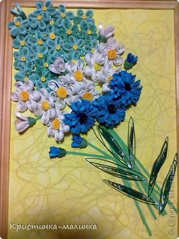 Вот такой букетик полевых цветов у нас с мамой получился. Вид общий: незабудки, ромашки и васильки фото 1