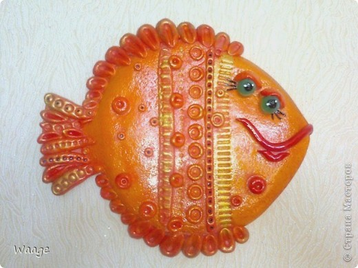 Таких рыб я уже лепила -- http://stranamasterov.ru/node/200326, давно раздарились, а мне захотелось и себе такую.  фото 2