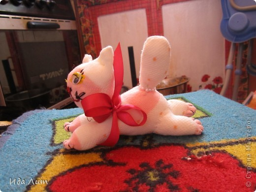 Вот такой котена у меня вчера народился:) Немного неуклюжий, пучеглазый, но я все равно его уже люблю:) фото 3