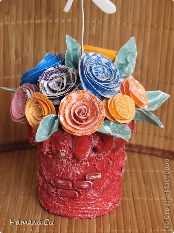 Ну и еще одну работку покажу...вообще, это фоторамочка...для маленькой принцессы...такой вот фантазийный замок и горошковые розы, а сверху очаровательная стрекоза))) фото 4