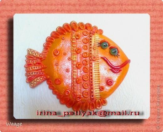 Таких рыб я уже лепила -- http://stranamasterov.ru/node/200326, давно раздарились, а мне захотелось и себе такую.  фото 1
