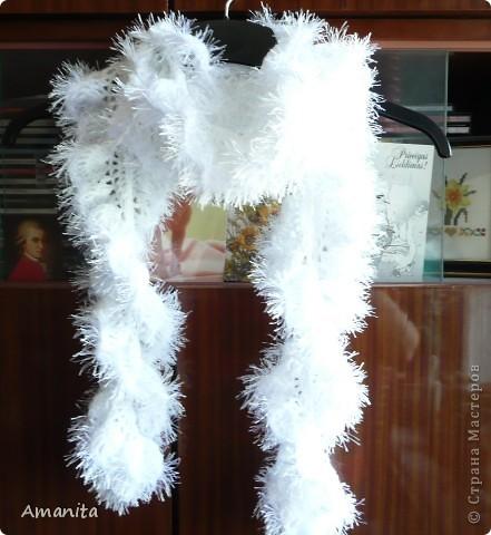 Связался такой ажурный шарфик, обвязка длинной травкой. фото 1
