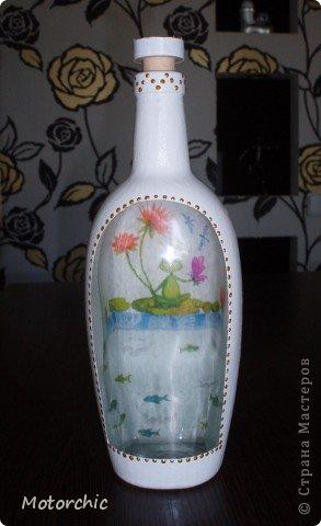 """Первая моя бутылочка, накопилось их много, а вдохновения, и, главное, белой краски, никак не было. Но вот я купила недорогую акриловую краску, и дело """"зашевелилось""""=) фото 5"""