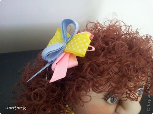 Хочу поделиться радостью: на днях я приняла участие в мастер-классе Анечки(ПартизАнка) по шитью попиков.Это моя первая попытка в создании текстильной куклы.Руки чесались давно,но всё не решалась,так как шить я совсем не умею... Анечка пригласила меня на свой МК и я решилась. Вот такая куклёха у меня получилась. Вижу косячки,кривульки и т.д.,но всё равно её люблю-ведь это мой текстильный первенец! фото 3