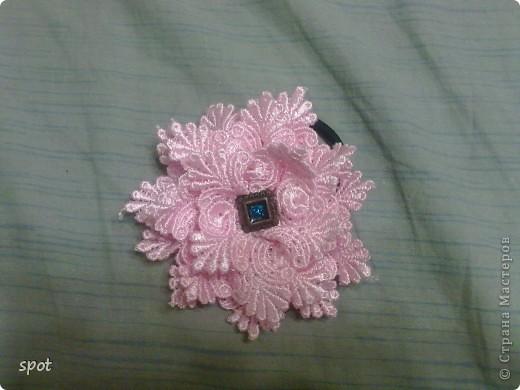 Хочу Вам рассказать, как делала вот такую повязочку для своей племянницы. Модели рядом не было, поэтому пришлось приодеть моего мишутку. фото 8