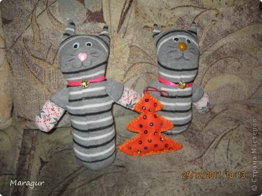 Это зайцы и коты из носков. делала на ярмарку:))) для дочки -первоклашки.  фото 7