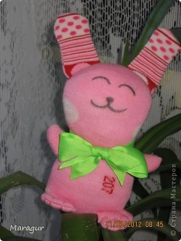 Это зайцы и коты из носков. делала на ярмарку:))) для дочки -первоклашки.  фото 2
