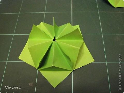 """кусудама: """"Spring fantasy""""...""""Весенняя фантазия"""" общий размер - 11 см модули: 30 шт 7х7 см на насадки, 20 шт 7х7 см на пирамидки сборка с клеем. автор: Viverna Баловалась я как то с насадками на пирамидку...вроде неплохо получилось... фото 13"""