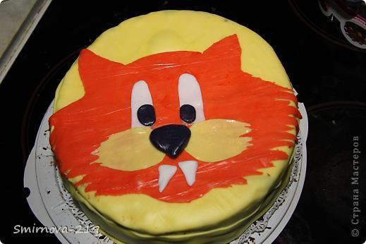 Вот такое мы сотворили на Д/Р ребенка. Торт купили в магазине, печь было некогда. Купили готовую мастику и красители. Мастика очень хорошая пластичная. Смешав красители получили оранжевый. Раскатали на пищевой пленке. фото 6