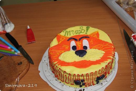 Вот такое мы сотворили на Д/Р ребенка. Торт купили в магазине, печь было некогда. Купили готовую мастику и красители. Мастика очень хорошая пластичная. Смешав красители получили оранжевый. Раскатали на пищевой пленке. фото 8