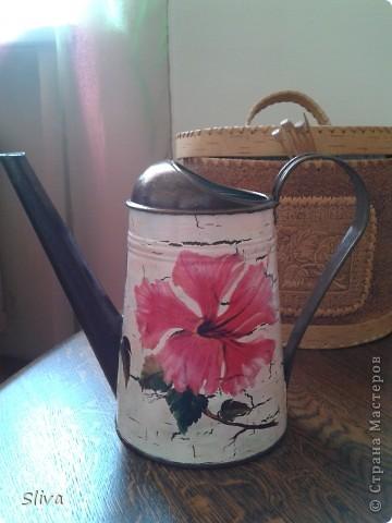 Лейка из ИКЕИ. Акриловые краски, рисовая бумага, однокомпонентный кракле, финишный лак. фото 1