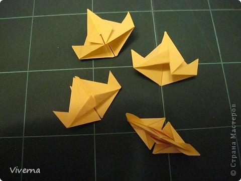 """кусудама: """"Spring fantasy""""...""""Весенняя фантазия"""" общий размер - 11 см модули: 30 шт 7х7 см на насадки, 20 шт 7х7 см на пирамидки сборка с клеем. автор: Viverna Баловалась я как то с насадками на пирамидку...вроде неплохо получилось... фото 9"""