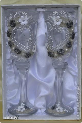 доброго времени суток всем! заказали мне бокалы на годовщину свадьбы с дизайном как у Ирины И. , уж простите меня за это! что получилось , судить вам!  фото 1