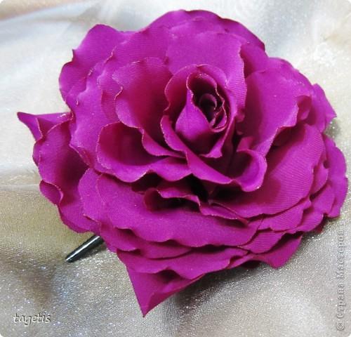 Все розы на небольших зажимах - удобно использовать и как заколку, и как брошь (некоторые не хотят портить вещи, прокалывая их) фото 4