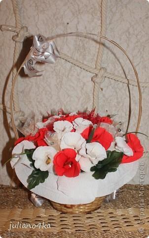 Тут и бантик,и конфетки одинаковые)))и листочки)))))(пришлось разорить искуственные цветы)) фото 3