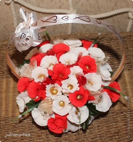Тут и бантик,и конфетки одинаковые)))и листочки)))))(пришлось разорить искуственные цветы)) фото 1
