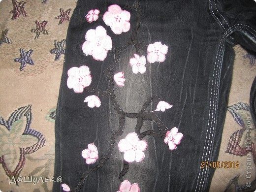 Вот попробовала росписать джинсы! Получилось прекрасно! Особенно розовое по черному! фото 2