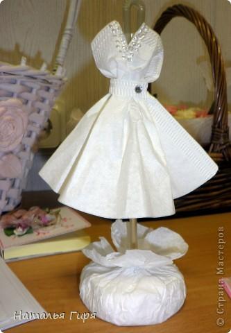 Декоративная модель  платья невесты  фото 1