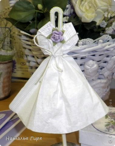 Декоративная модель  платья невесты  фото 2