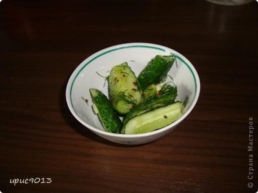 Доброго времени суток всем, кто заглянул ко мне на салатики. Сделала вчера 2 простых, легких и вкусных салатика, и решила поделиться рецептами с моими подружками мастерицами. фото 3