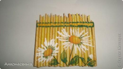 """Вот такая получилась серия """"Цветы у забора"""" =) Заборчик из газетных трубочек, рисунок выполнен в технике декупаж, потом еще я их покрыла лаком.  Ну вот серия и закрыта, остались только надписи =) фото 4"""