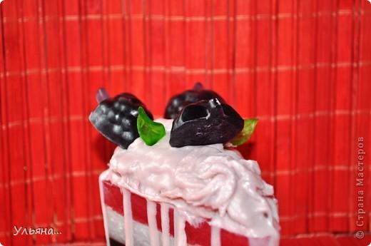 """Я не знаю как Вам,а мне всегда летом хочется творить(или вытворять))всякие сладости-вот решила сделать """"пироженое"""",и заодно решила сфотографировать процесс работы. фото 56"""