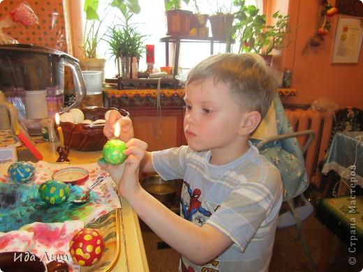 Вот такие пятнистые крашенки получились у моего сыночка:) фото 4