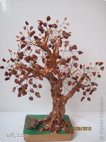 """Еще одно мое дерево из каменной крошки """"авантюрин"""". Этот крошка  очень красивая,  в середине  с блестками, но  на фото не очень видно . фото 1"""