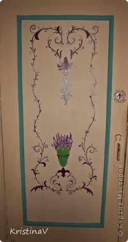 Решила преобразить нашу старенькую деревянную дверь. Понравился стиль Прованс. Поискала аналоги и расписала нашу старушку)) фото 1