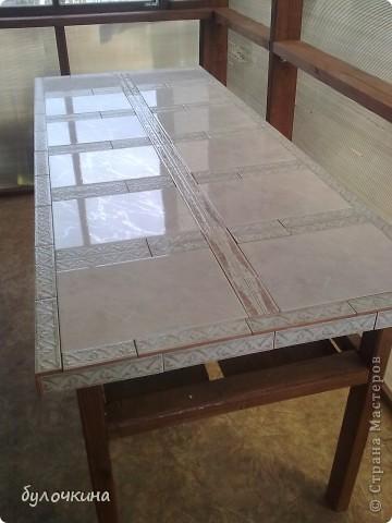 Из старой двери,вместе с мужем, сделали стол.Жить этот стол будет на веранде,на даче. фото 1