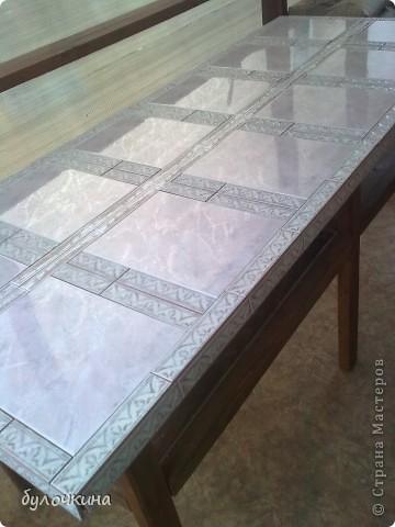 Из старой двери,вместе с мужем, сделали стол.Жить этот стол будет на веранде,на даче. фото 4