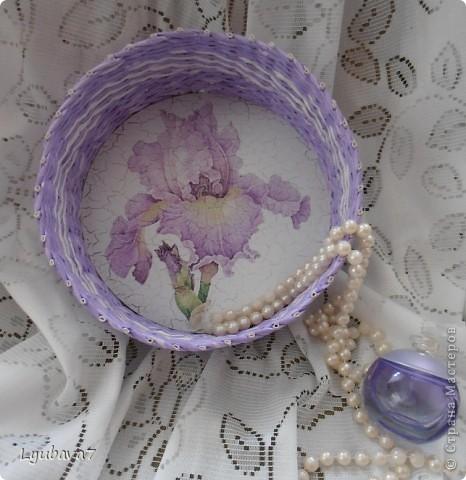 Всем привет!!! В продолжение цветочной темы (http://stranamasterov.ru/node/312886, http://stranamasterov.ru/node/314823), сплела сиреневую шкатулку в подарок.  фото 2