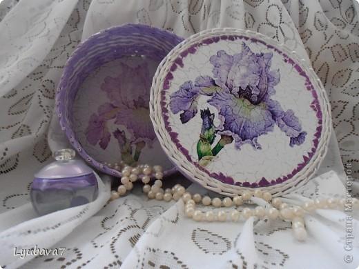 Всем привет!!! В продолжение цветочной темы (http://stranamasterov.ru/node/312886, http://stranamasterov.ru/node/314823), сплела сиреневую шкатулку в подарок.  фото 3