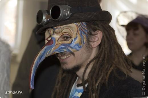 """Маска """"Нос турка"""", основа - папье-маше, декор - акриловые краски, кракелюр, пастель, тесьма фото 18"""