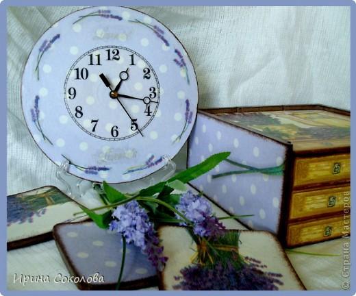 В набор входят: часики из виниловой пластинки, чайный короб и пробковые подставки. фото 2