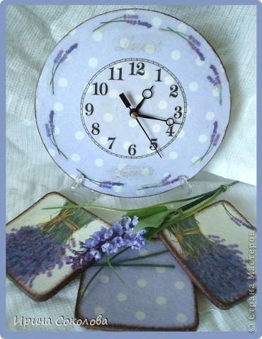 В набор входят: часики из виниловой пластинки, чайный короб и пробковые подставки. фото 3