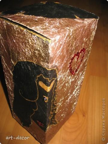 Красивая подарочная упаковка! Жила-была коробочка...куплена была с вазой, и вот решила я подруге на ДР сделать из нее упаковку для подарка. Пришлось немного преобразить.  фото 23