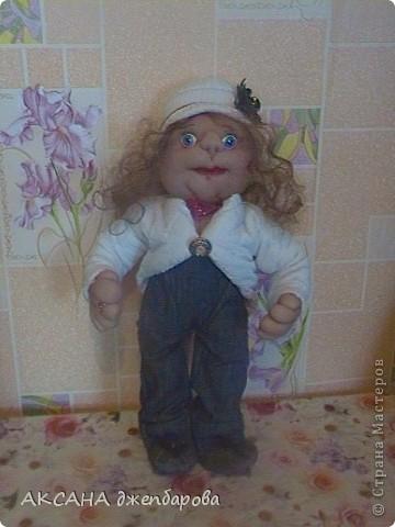 кукла.думаю как же её назвать.незнаю на кого она больше похожа. фото 1