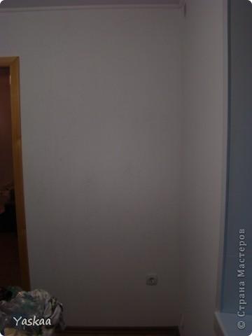 Долго я собиралась силами, затем долго расписывала и наконец расписала стену на кухне. Не судите строго, это мой первый опыт. Есть погрешности, на будущее сделала выводы. Выкладываю фото в процессе. Все началось с выбора картинки. Долго искала изображение бамбука, которое мне бы понравилось и подошло и наткнулась на роспись дверей. Распечатала и разделила на равные квадраты, за это спасибо Подолинная Любовь, которая описала данную (простейшую) технику вот тут http://stranamasterov.ru/node/174957 Соответственно нанесла сетку на стену и вперед фото 2