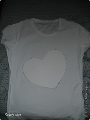 футболка с сердечком фото 3