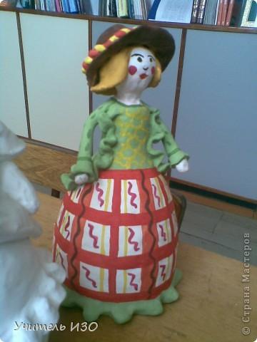 Первая куколка выполнена с ошибками, ну за то, после этой работы многие советы, которые мне давал мастер-класс Ольги, стали практически понятны. Именно эту первую куколку попросил меня подарить ему один выпускник нашей школы. Подарила. фото 3