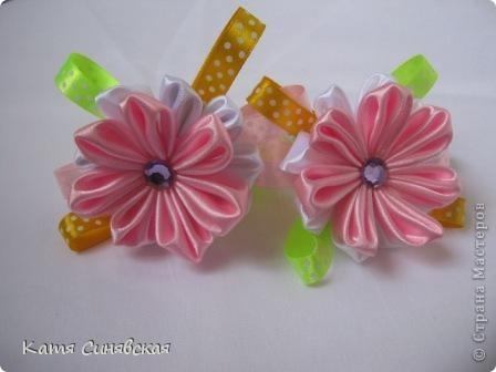Сделала такие резиночки для девочек близняшек(их маме делала заколочку) Первая пара. фото 3
