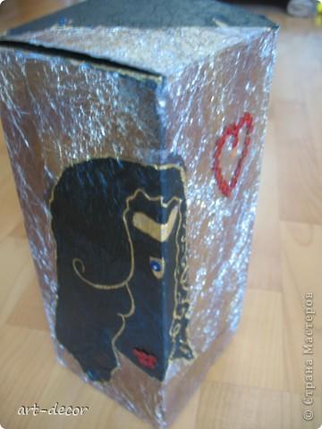 Красивая подарочная упаковка! Жила-была коробочка...куплена была с вазой, и вот решила я подруге на ДР сделать из нее упаковку для подарка. Пришлось немного преобразить.  фото 1