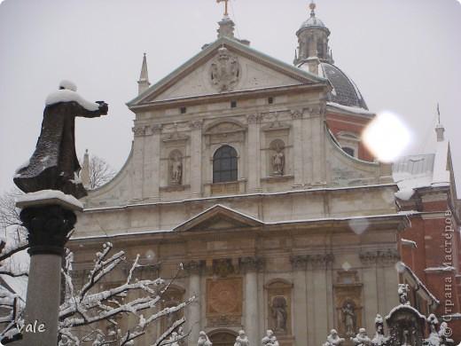 К сожалению, в Европе я была только один раз. Конечно, хотелось бы съездить еще, чтобы посмотреть и другую архитектуру, к примеру южной Европы. В этом репортаже, в основном, средневековая архитектура. Сначала фотографии из Кракова (Польша).  Это замок. фото 6