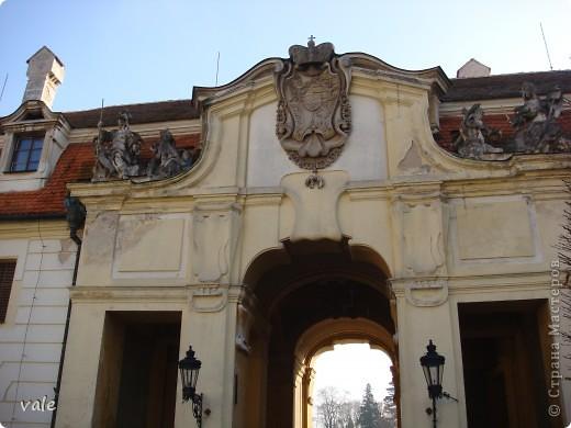 К сожалению, в Европе я была только один раз. Конечно, хотелось бы съездить еще, чтобы посмотреть и другую архитектуру, к примеру южной Европы. В этом репортаже, в основном, средневековая архитектура. Сначала фотографии из Кракова (Польша).  Это замок. фото 14