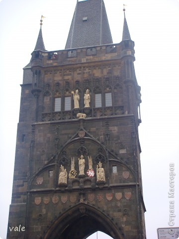 К сожалению, в Европе я была только один раз. Конечно, хотелось бы съездить еще, чтобы посмотреть и другую архитектуру, к примеру южной Европы. В этом репортаже, в основном, средневековая архитектура. Сначала фотографии из Кракова (Польша).  Это замок. фото 19